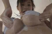 白石若奈がお風呂でしこたま乳を揉まれてます