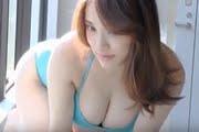 都丸紗也華 ビキニやワンピな水着のグラビア動画